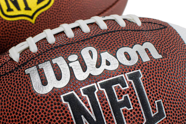 Wilson , der Football, die NFL und der Super Bowl - Brooklyn Footwear x Fashion