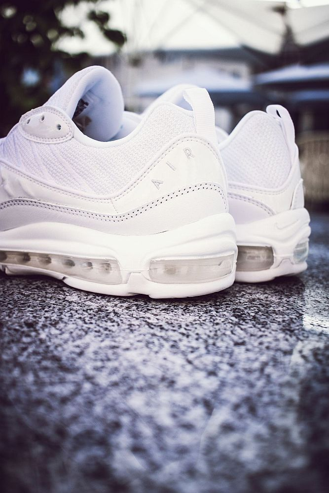 Nike Air Max 98 in white pure platinum black reflect silver