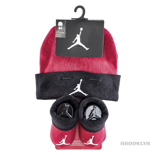 Jordan Basic Hat and Bootie Combo Set (0-6 Monate) LJ0102-R78-