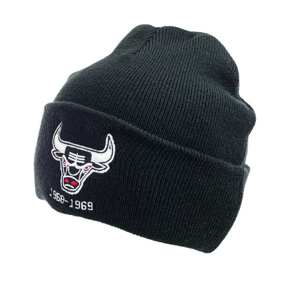 Mitchell & Ness Chicago Bulls NBA Team Logo Cuff Knit Winter Mütze KTCFINTL534-CBUBLCK-