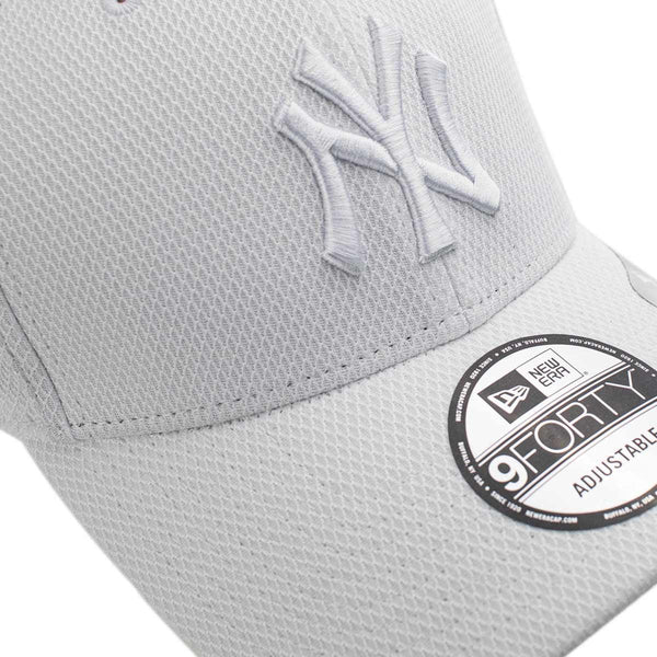 New Era New York Yankees MLB 940 Diamond Era Essential Cap 12523903-
