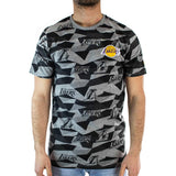 New Era Los Angeles Lakers NBA Geometric All Over Print T-Shirt 1255327 - grau-schwarz