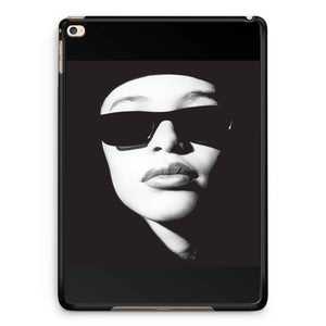Aaliyah Face Glasses iPad 2 / 3 / 4 / 5 / 6| iPad Air / Air 2 | iPad Mini 1 / 2 / 3 / 4 | iPad Pro Case