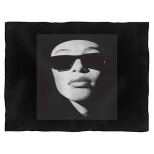 Aaliyah Face Glasses Blanket