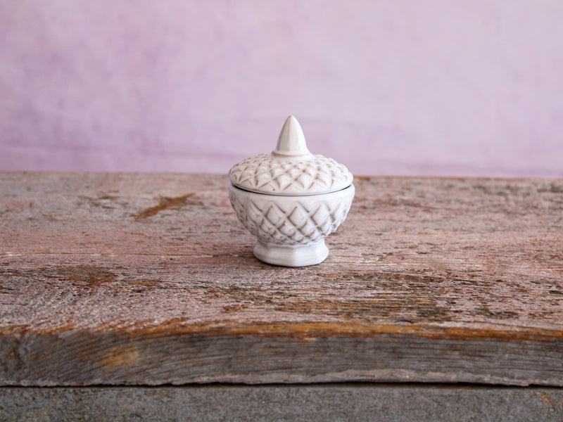 Criss Cross Detail Mini Lidded Dish