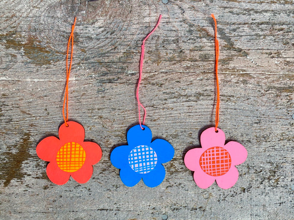 Daisy Ornament Set