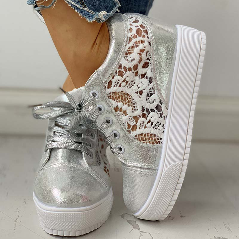 Thick Soled Lace Splicing Shoes