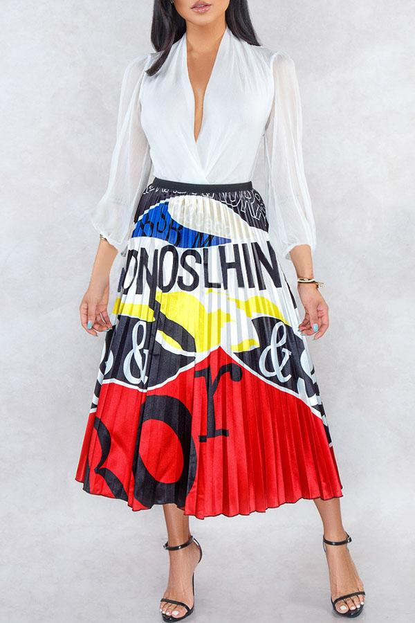 Graphic Pleated Skirt