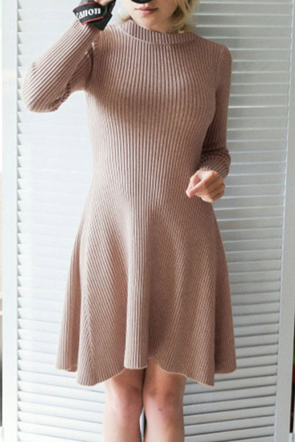 Round Neck Slim Pleated Dress