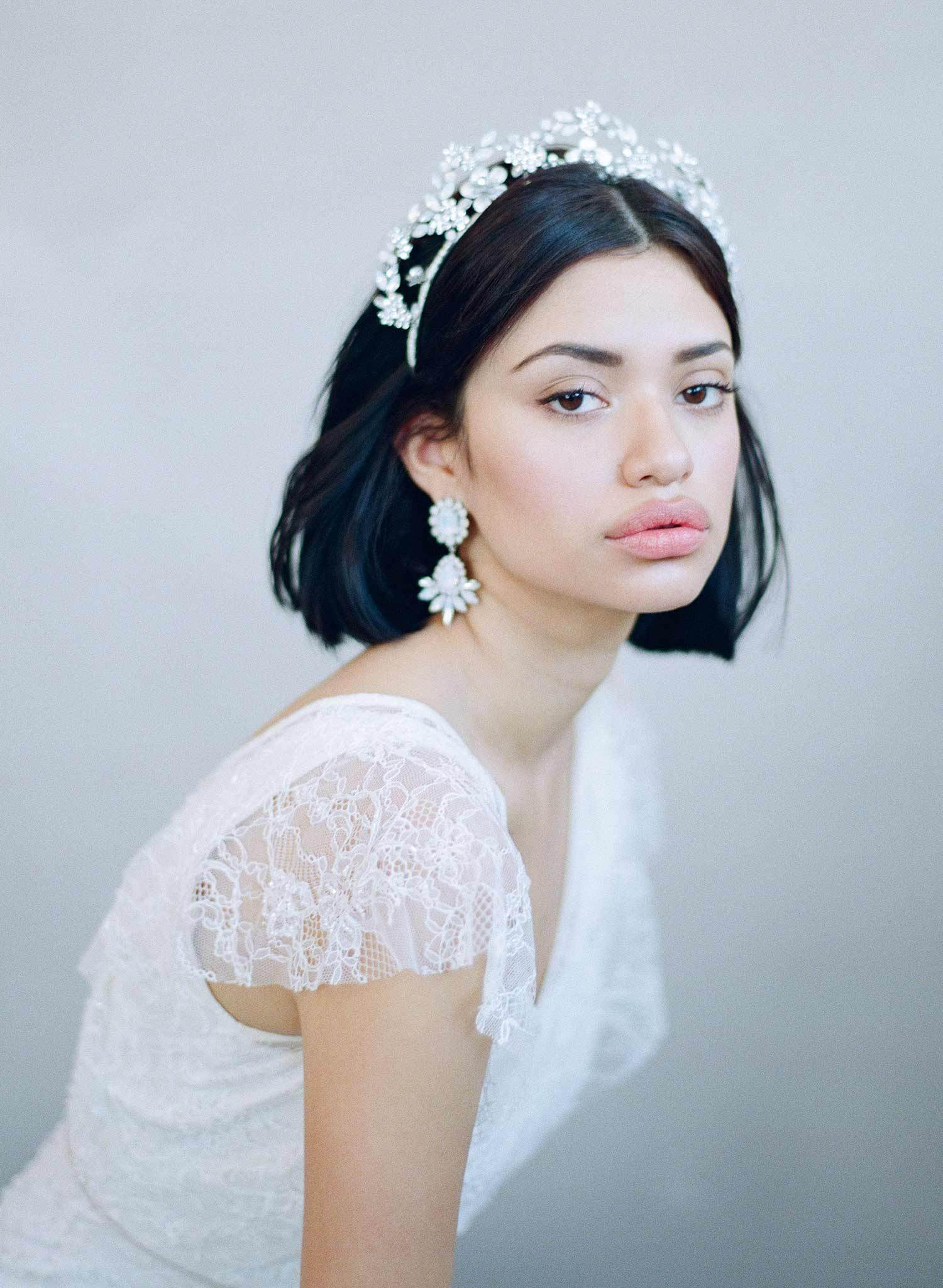 opal tiara, regal crown, modern bride, queen fashion