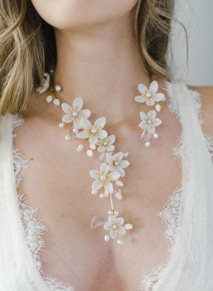 Pearlescent flower and crystal necklace - Style #2011