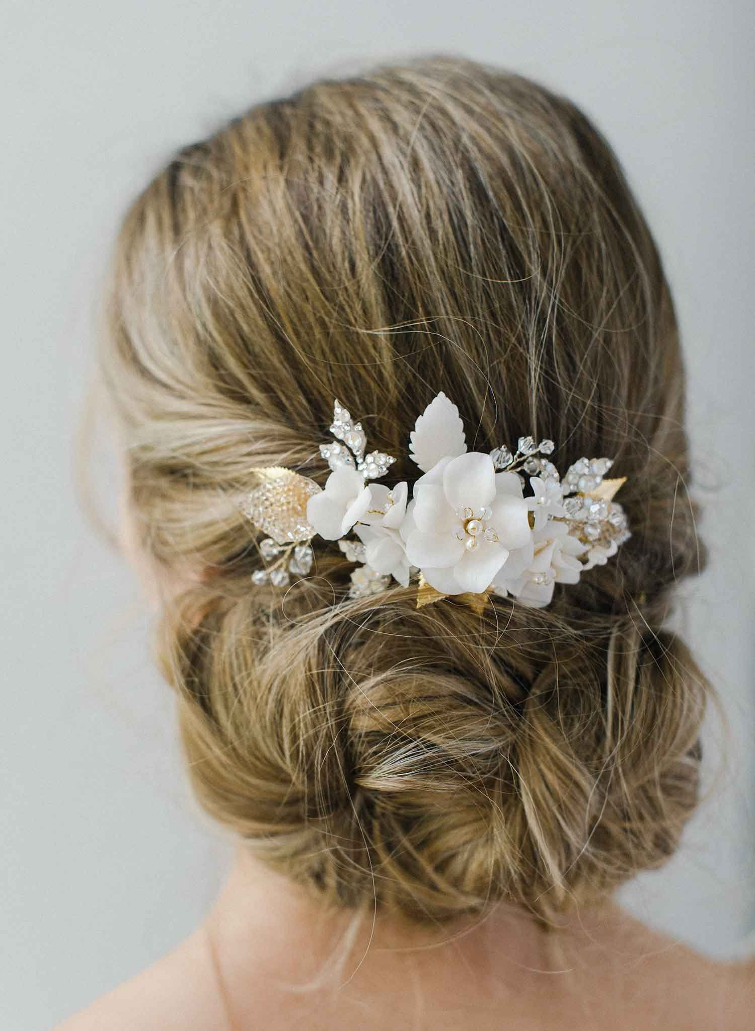 Milk white flower and crystal comb - Style #2023