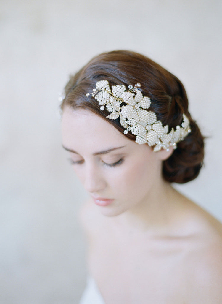 beaded flower hair comb, bridal hair comb, handmade, twigs and honey