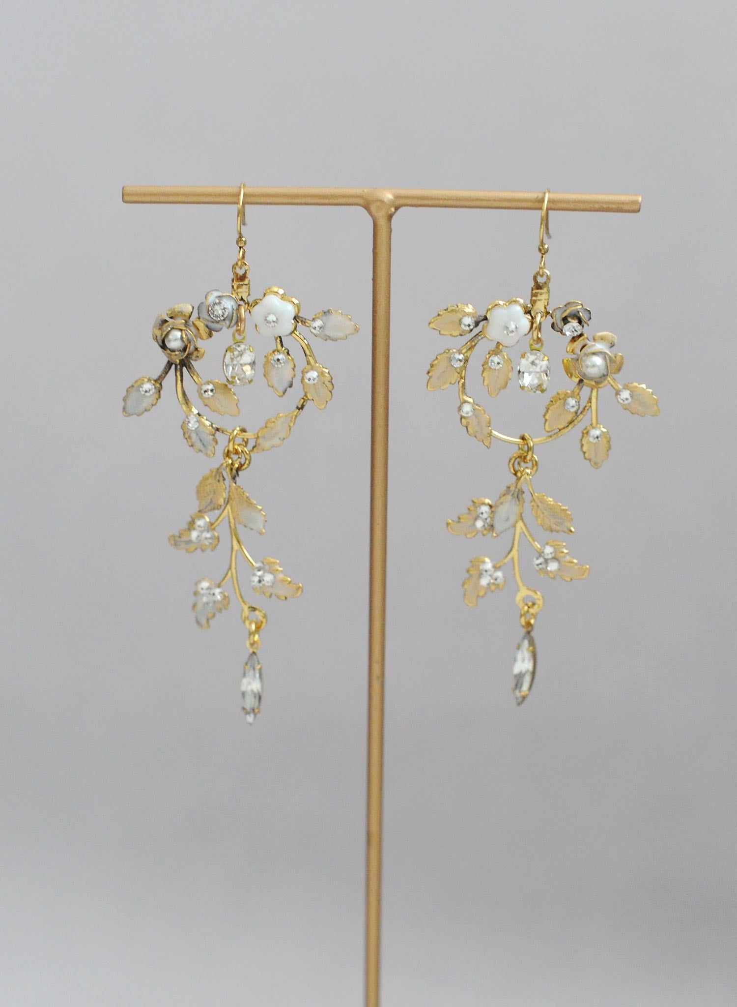Enchanted frosted garden earrings - Style #628