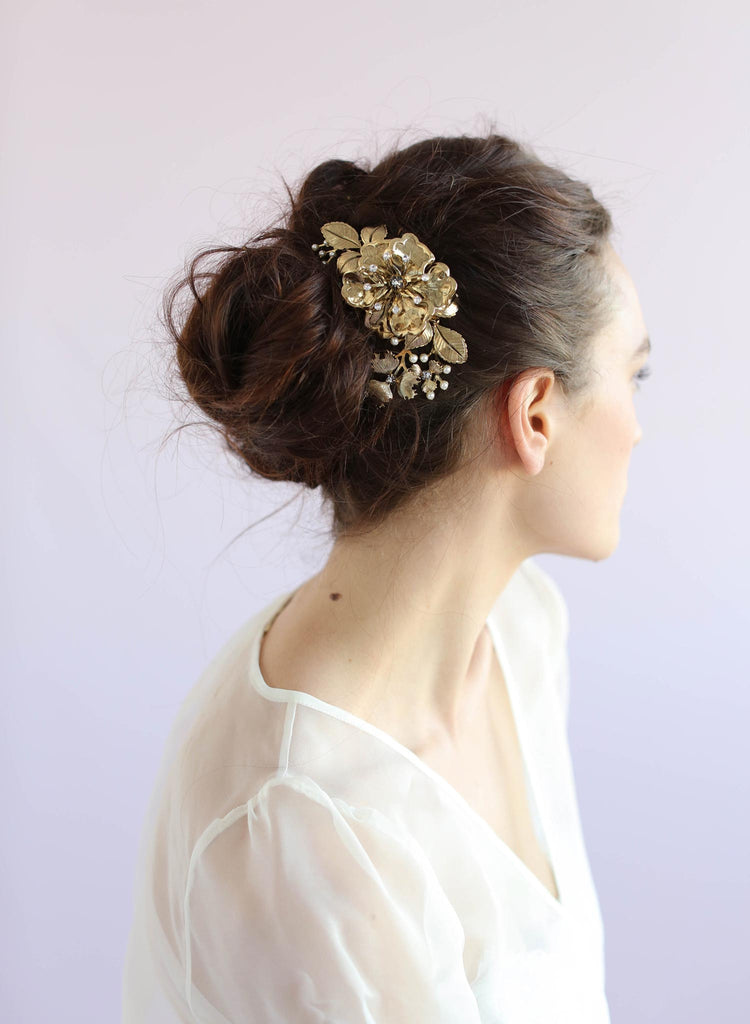Brass floral hair comb, hair comb, twigs and honey