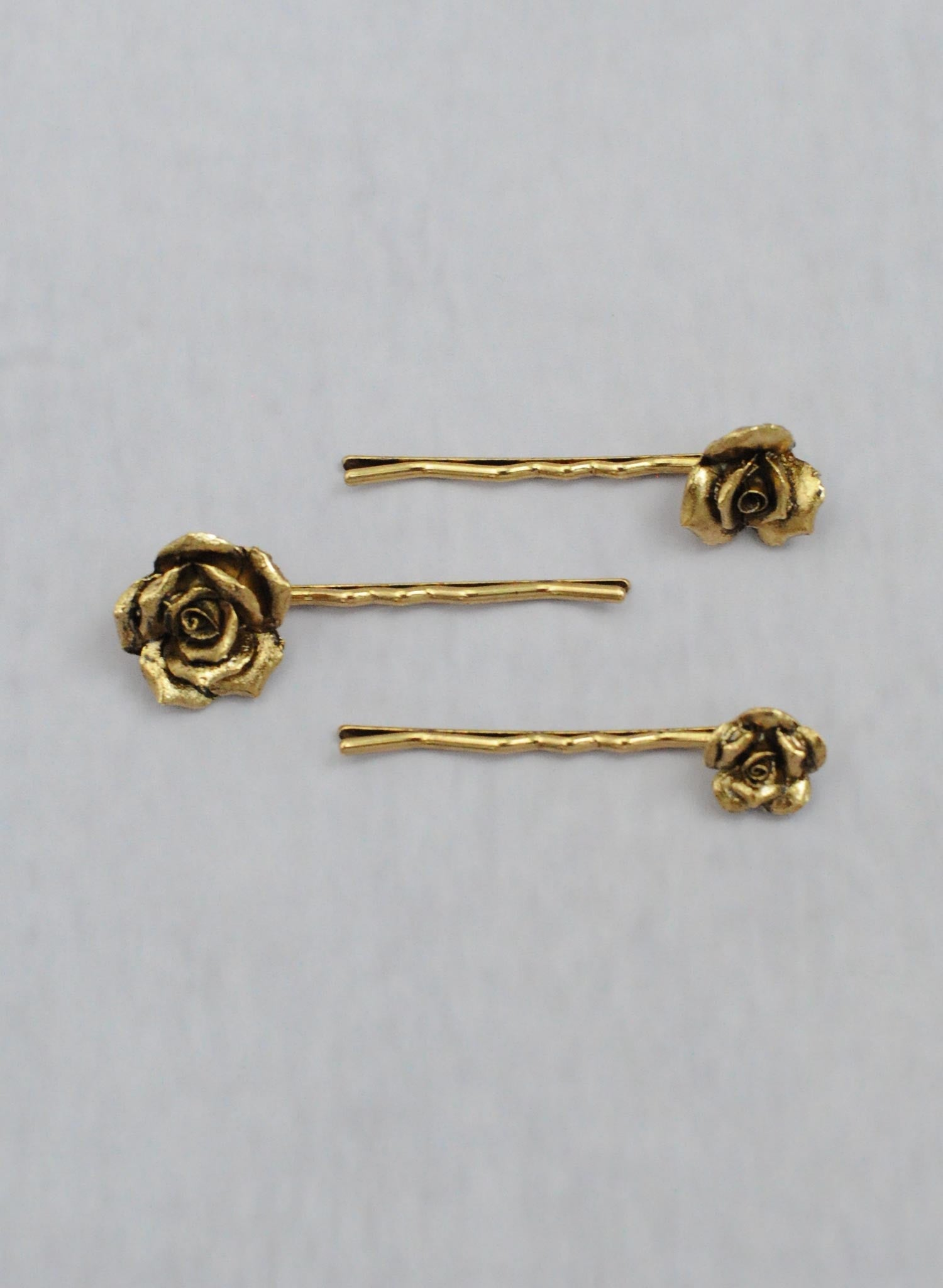 Mini cast roses bobby pin set of 3 - Style #663