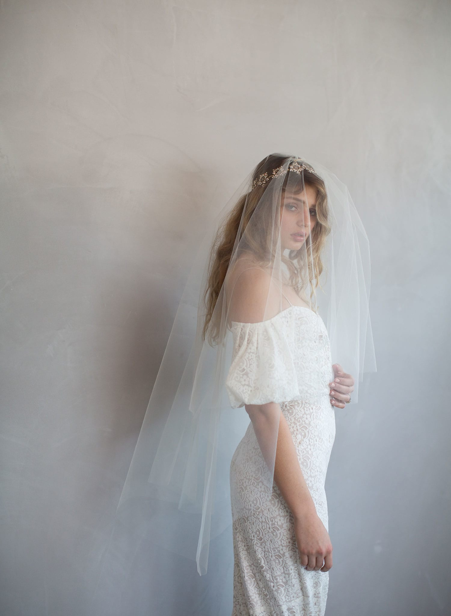 blusher veil with volume, twigs and honey