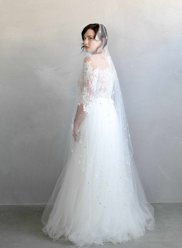 Pearl burst and sequin veil - Style #970