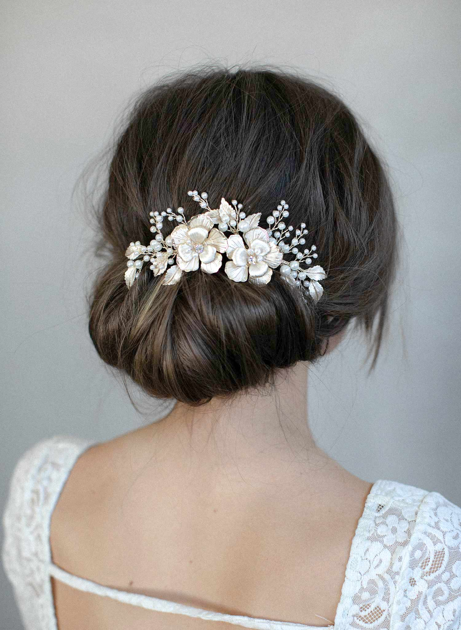 Double flower and pearl spray hair comb - Style #977