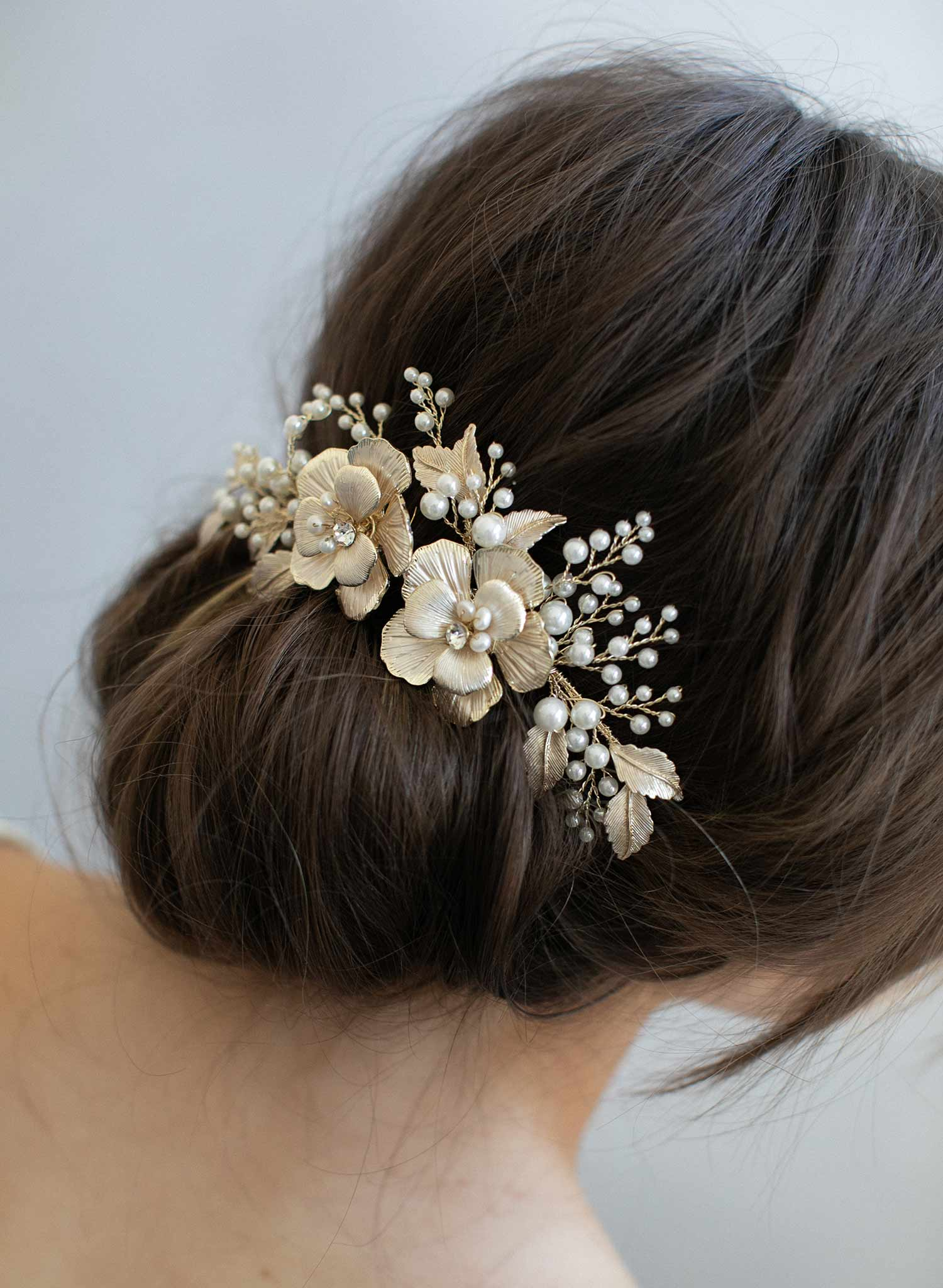 b577a5696521 Gold flower bridal hair comb - Double flower and pearl spray hair ...