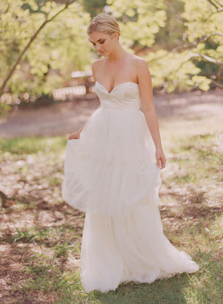 Fragaria - Strapless Tiered Gown