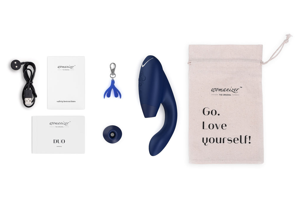 Womanizer Duo Blueberry with Box Contents