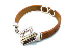Load image into Gallery viewer, leather bracelet brown silver toggle clasp