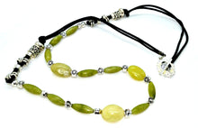 Load image into Gallery viewer, Green gemstone Necklace