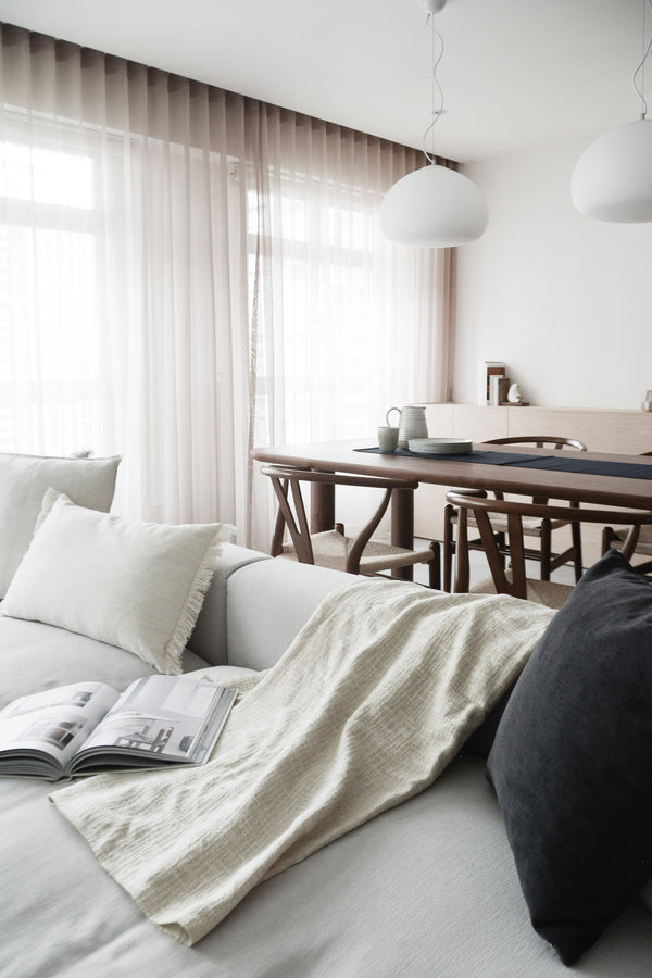 Different ways to style your home with a throw
