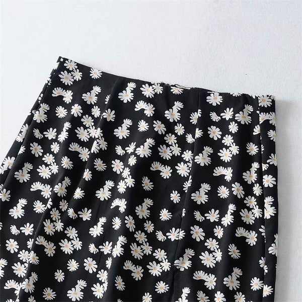 Oh Daisy Slit Mini Skirt