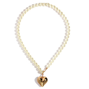 Dreamy Heart Pearl Necklace
