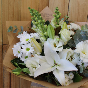 Blue Mountains Florist flower delivery white bouquet