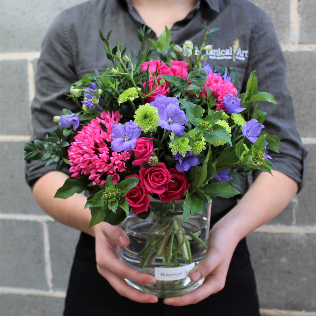 Blue Mountains Florist flower delivery bright vase arrangement