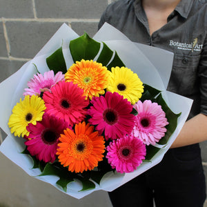 Blue Mountains Florist flower delivery lawson florist bright gerbera bouquet