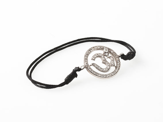 AUM by La Chance - Amulet w diamonds/silveri