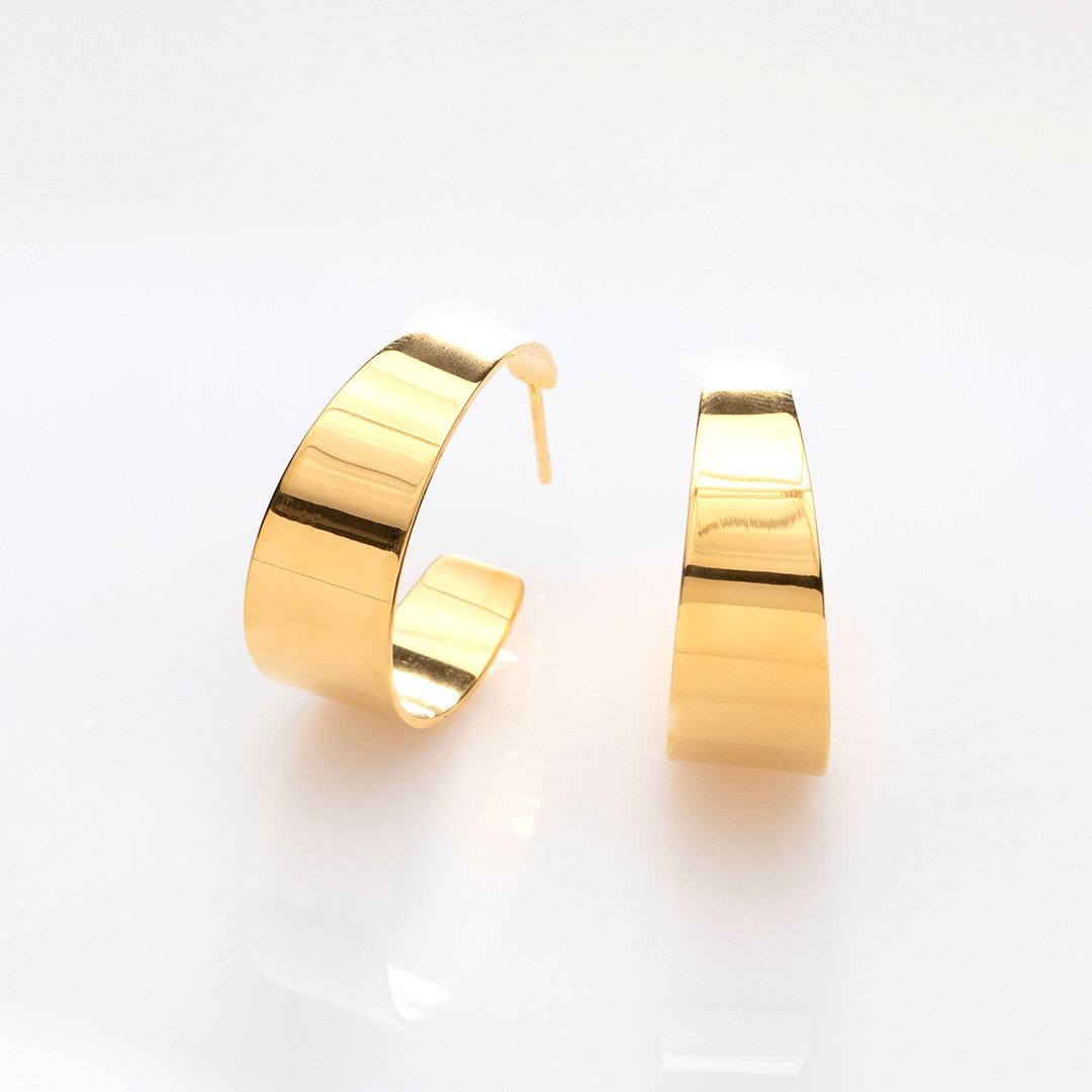 Half-Pipe glossy earrings gold