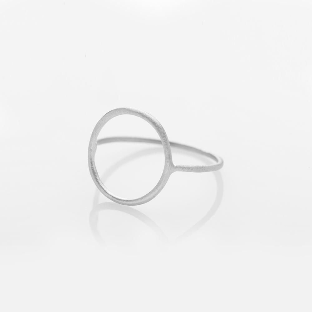 Wire circle ring silver