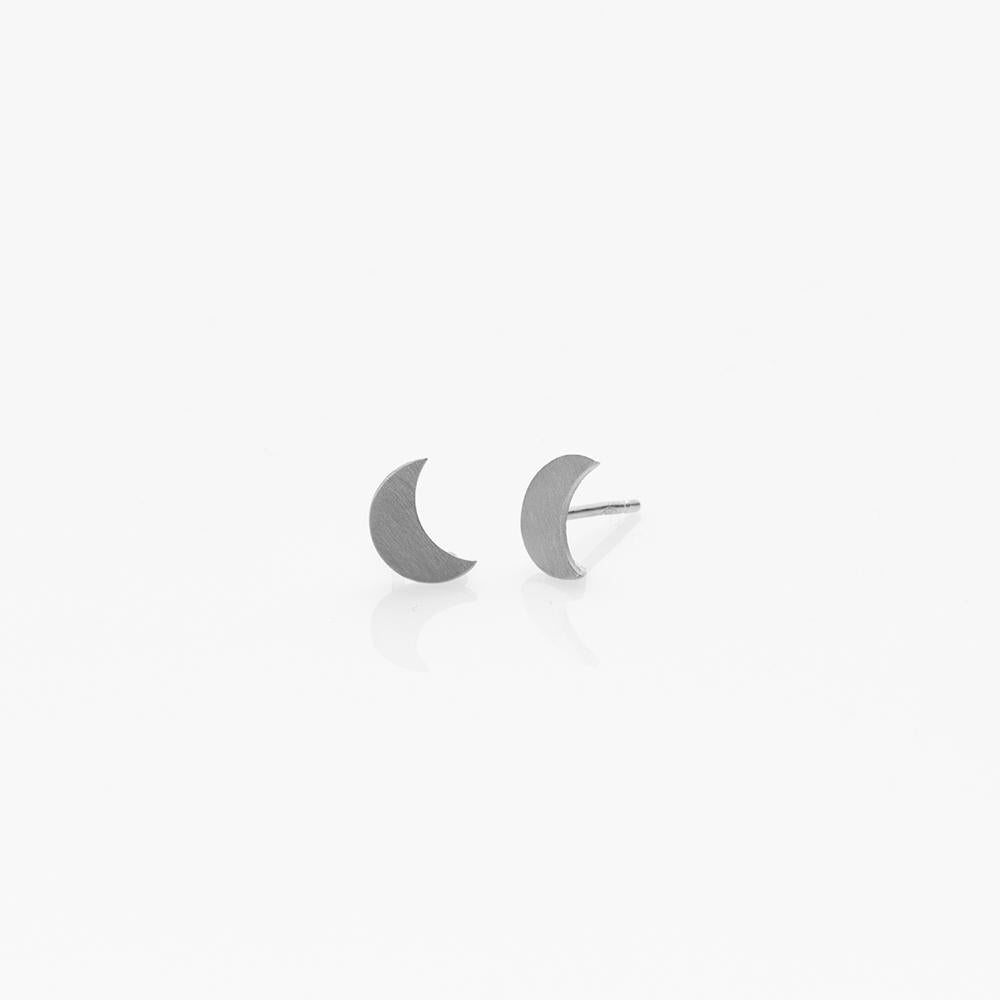 Toy crescent moon earrings silver