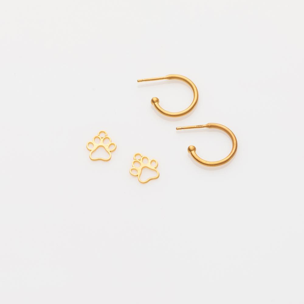 Toy paw earring charm gold