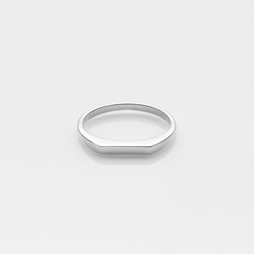 Pyr ring white gold