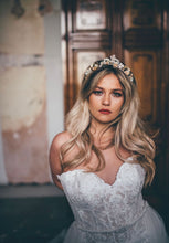 Load image into Gallery viewer, Gold Flower Crown