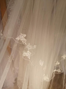 Royal Lace Edge Veil