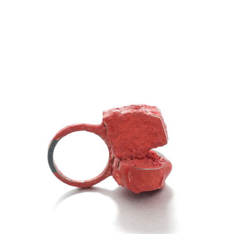 Ring in oxidised silver and red pigment, by Izabella Petrut