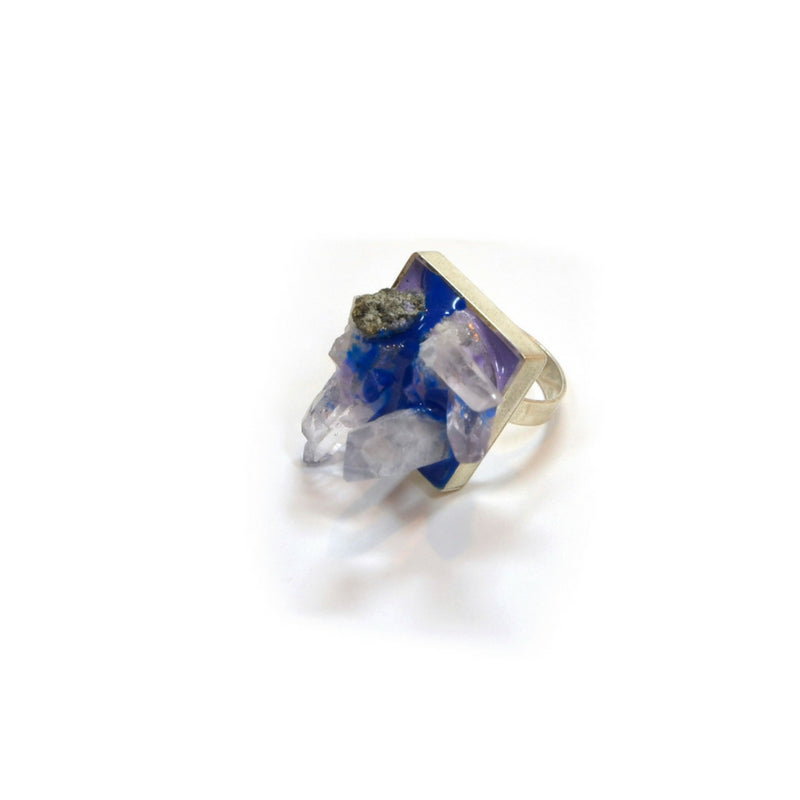 Silver, Quartz and blue pigment ring