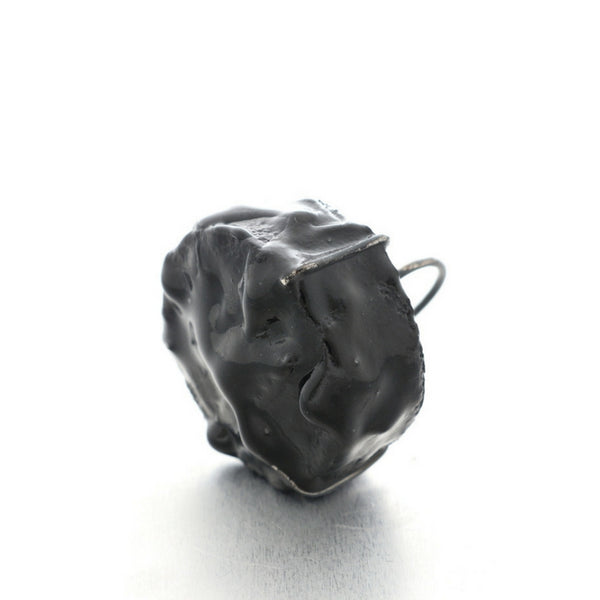 Minimal Big Black Cake Ring