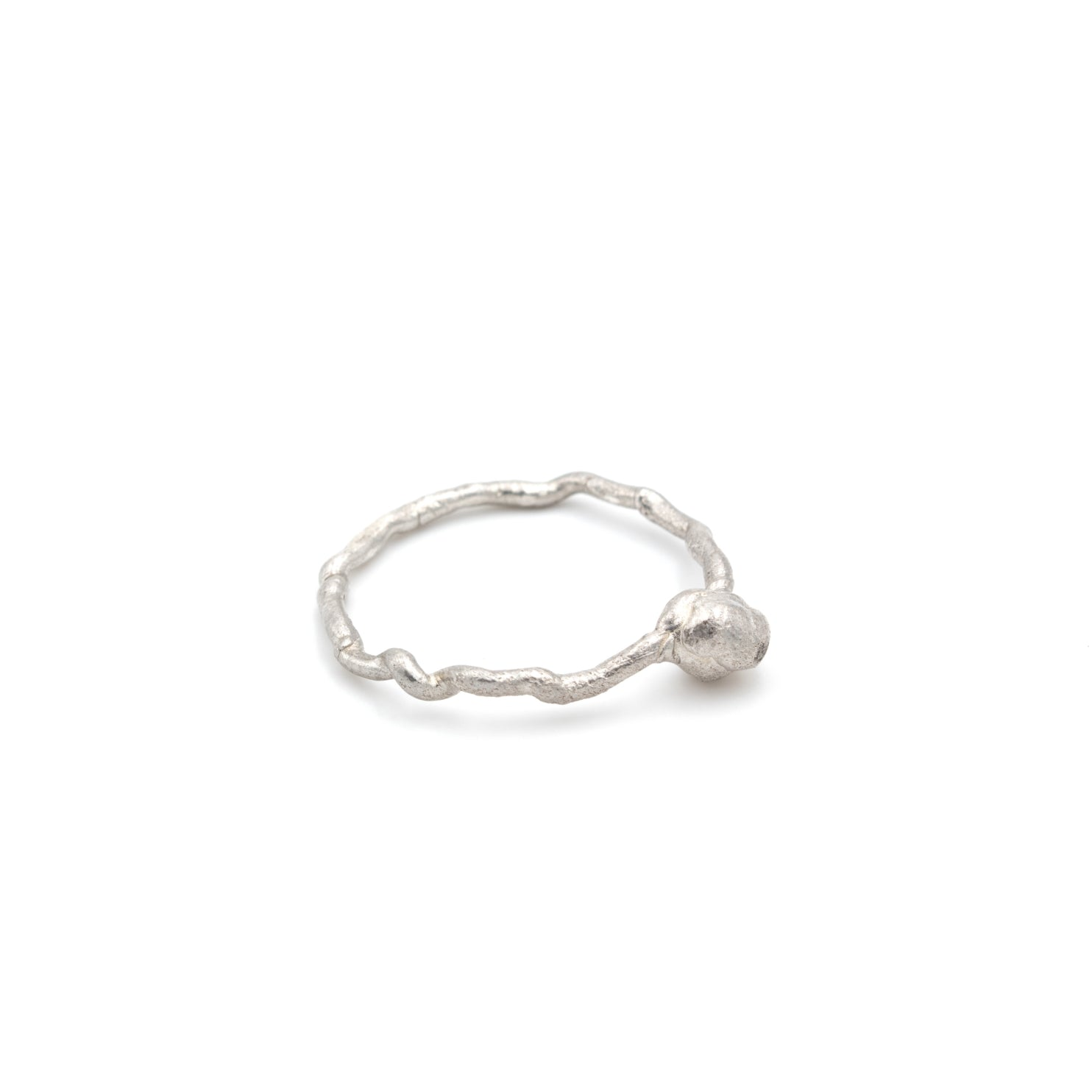 minimal organic jewelry design, silver ring handmade in Vienna, by Izabella Petrut