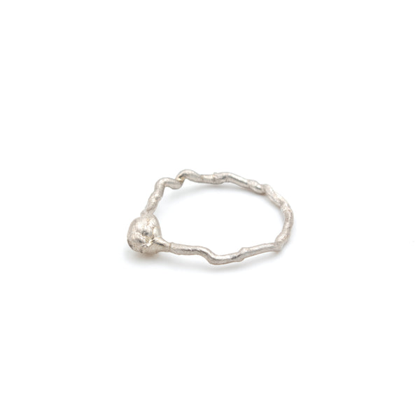 Unique minimal ring in silver, handmade. Free shipping.