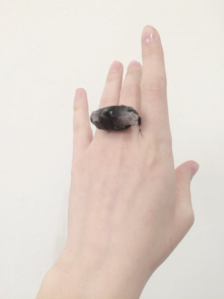 Dramatic ring with Amethyst