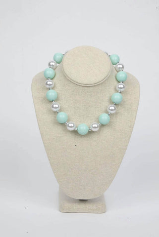 MINT AND WHITE CHUNKY NECKLACE