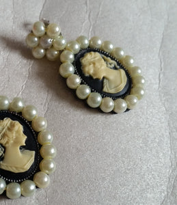 Cameo cream glass bead pearl flower shaped stud drop earrings